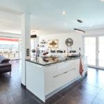 grande et belle cuisine ouverte